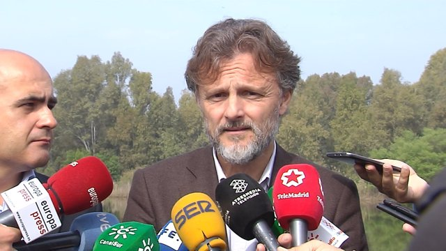 José Fiscal en una visita al Corredor Verde del Guadiamar