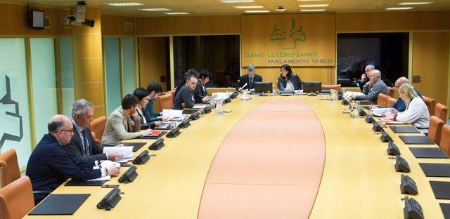 Foto de archivo de la reunión de la ponencia de autogobierno