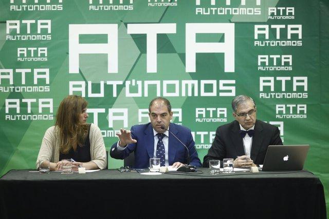 Lorenzo Amor y José Antonio Herce presentan un informe sobre autónomos