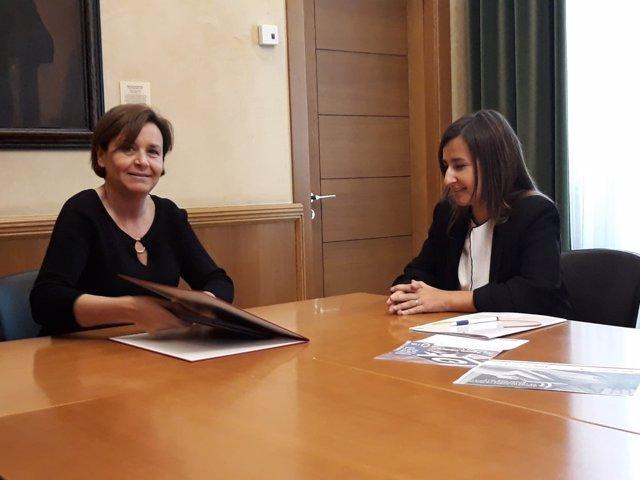 Ayuntamiento y aeat firman un convenio para facilitar la for Convenio oficinas y despachos asturias