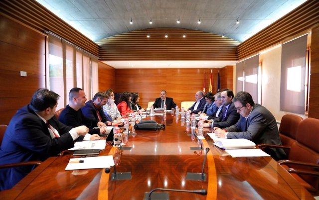 Reunión Mesa y Junta de las Cortes