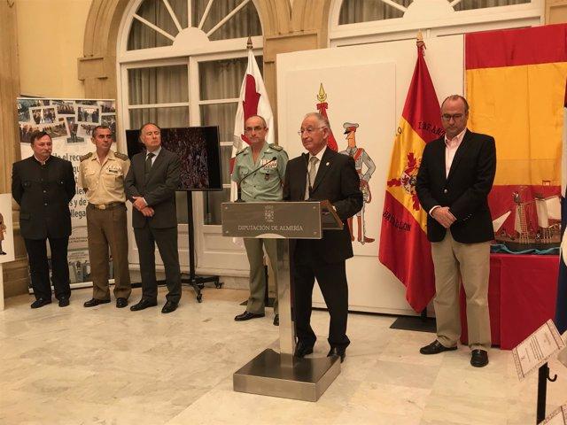 La exposición de los símbolos de España está en el Patio de Luces de Diputación.