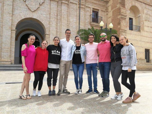 DavJosé Carlos Martínez con los estudiantes del Grado en Danza