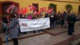 """Foto: El comité del Ayuntamiento de Huévar pregunta por la financiación del ERE """"si no hay dinero"""" para las nóminas"""