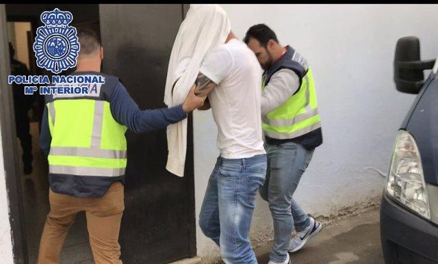 """Polica Nacional Nota De Prensa """"La Policía Nacional Detiene A Un Prófugo Con Más"""