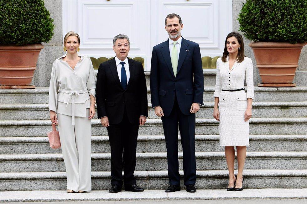 Los reyes felipe y letizia con el presidente de colombia y su mujer