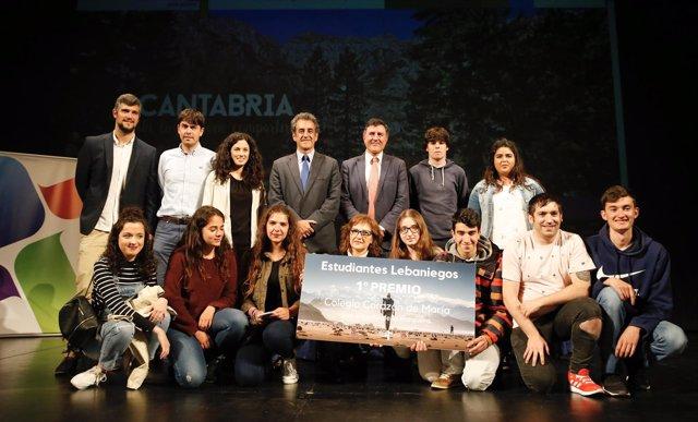 Entrega de premios del certamen 'Estudiantes Lebaniegos'