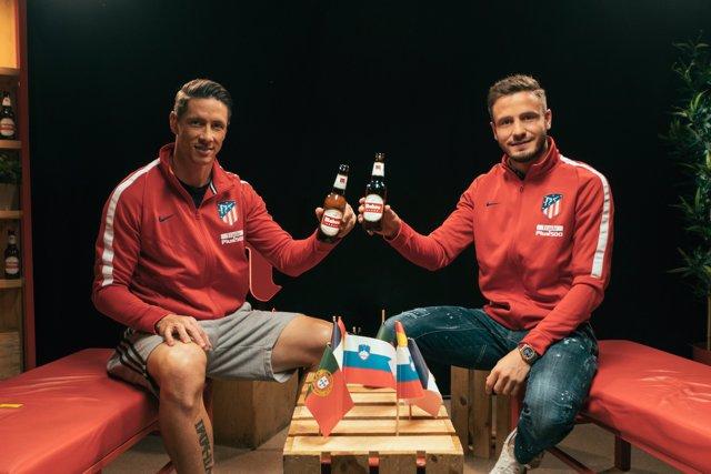 Fernando Torres y Saúl Ñíguez, jugadores del Atlético de Madrid