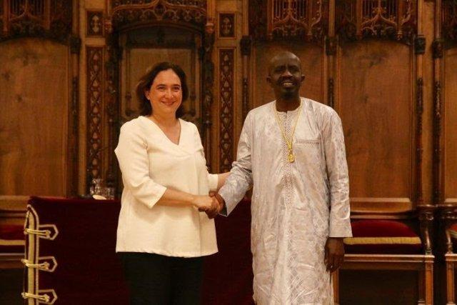 Ada Colau y Amadou Bocar