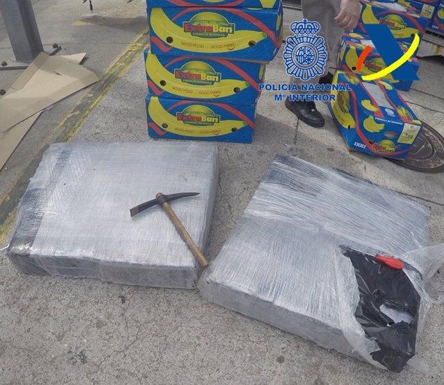 Coca intervenida en un contenedor de bananas