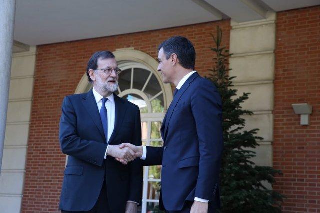 Mariano Rajoy y Pedro Sánchez en la Moncloa
