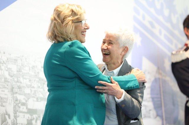 Boti García Rodrigo con la alcaldesa de Madrid, Manuela Carmena
