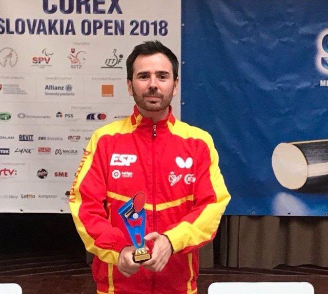 Dos oros y un bronce para el equipo paralímpico español de tenis de mesa