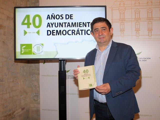 Presentación del programa sobre los 40 años de ayuntamientos democráticos.