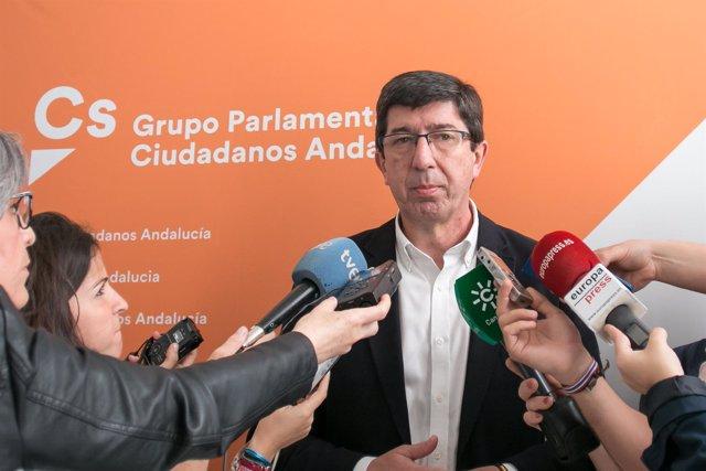 Juan Marín, de Cs, ante los periodistas días atrás.