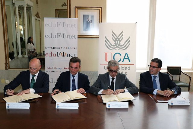 La Universidad de Cádiz firma el Proyecto Edufinet de Unicaja