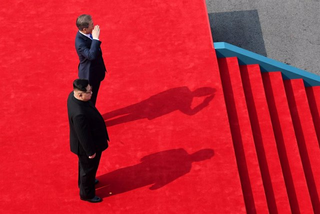 Los líderes de las dos Coreas se reúnen en una histórica cumbre