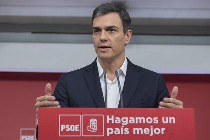 """Pedro Sánchez ve """"muy extraño"""" que Casado aprobara la mitad de Derecho en un curso académico: """"Tendrá que explicarse"""""""