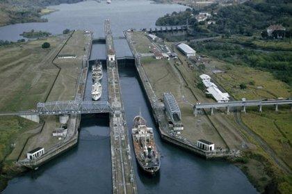 Norwegian Bliss cruza el Canal de Panamá de manera histórica