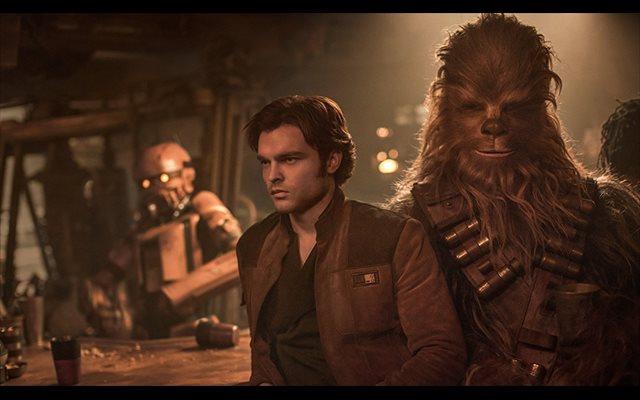 Primeras críticas a Han Solo: Una película de Star Wars con 'grandes sorpresas' en la que Ehrenreich no convence