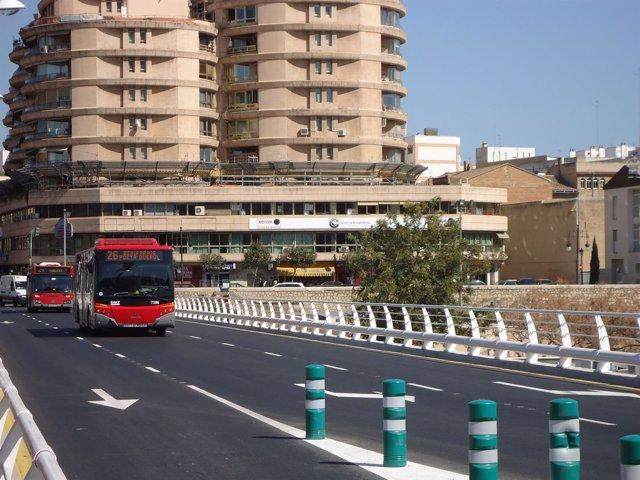 Autobús De La EMT De Valencia Por El Pont De Fusta