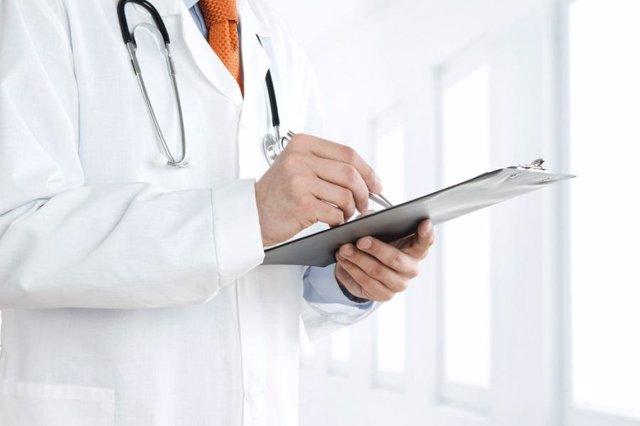 Un médico