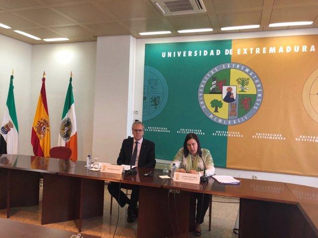 Begoña García y Segundo Píriz firman un convenio
