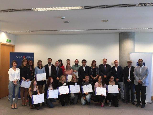 Sandra Gómez, Francesc Colomer y José Vicente Morata con premiados por SICTED
