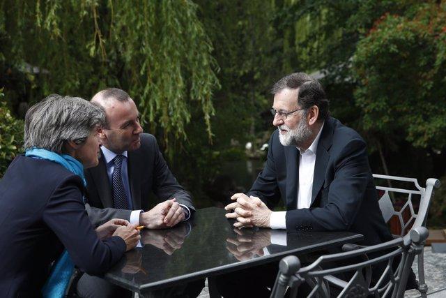 Rajoy y Manfred Weber reunidos en Sofía