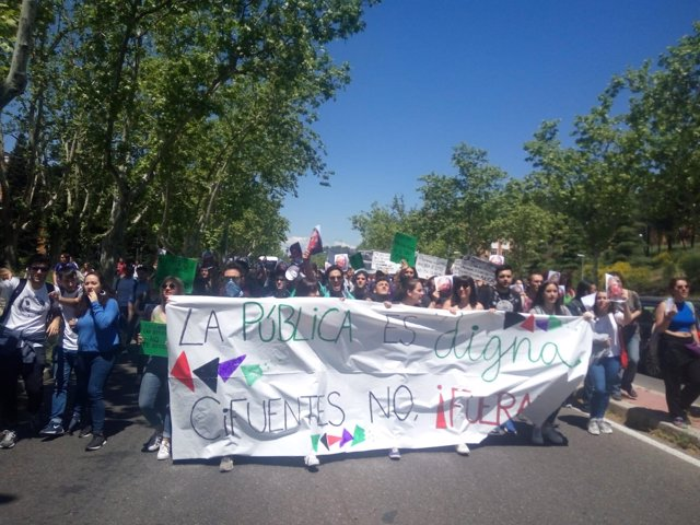 Protesta de estudiantes de la Universidad Complutense contra Cifuentes