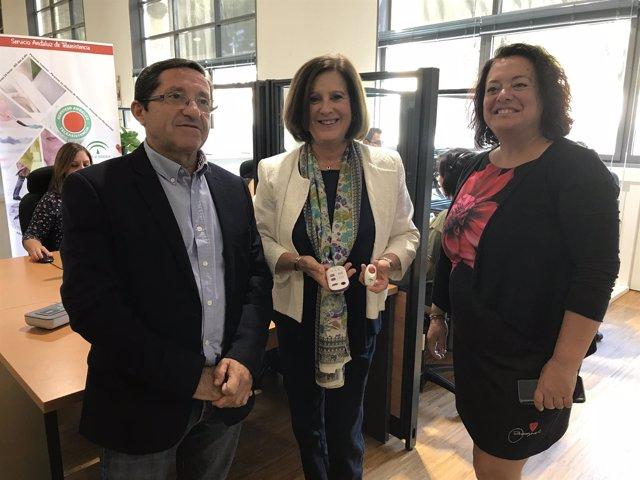 María José Sánchez Rubio visita las instalaciones de Teleasistencia en Sevilla