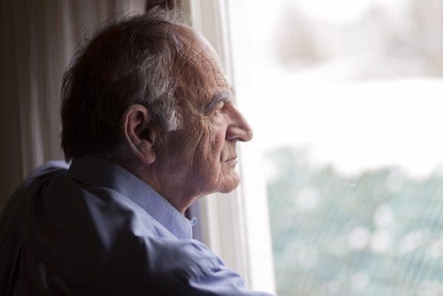 ¿Cómo Afecta La Soledad Al Alzhéimer?