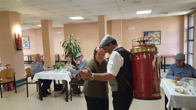 Fiesta de San Isidro en una residencia de mayores