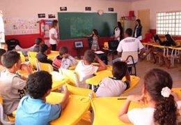 Programa de Cooperación al Desarrollo Piecitos Colorados, aula, clase, niños