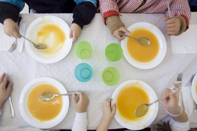 Junta destaca que destina 94 millones a comedores escolares y niega ...