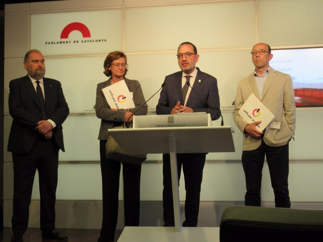 Antoni Duran, Ramon Espadaler, Helena Isábal y Oriol Molins (Units per Avançar)
