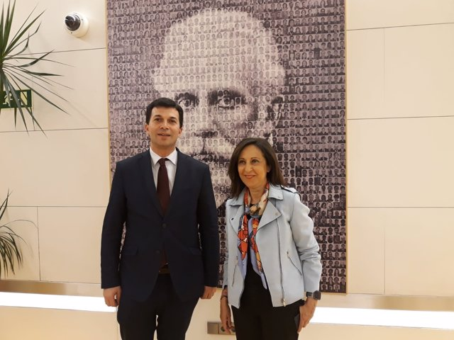 Reunión de líder del PSdeG, Gonzalo Caballero, con Margarita Robles