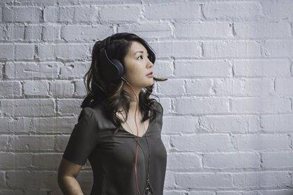 ¿Qué es lo que escuchas, 'Yanny' o 'Laurel'? El audio viral que divide a internet