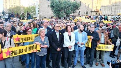 Quim Torra acude a la concentración para pedir la libertad de Jordi Sànchez y Jordi Cuixart