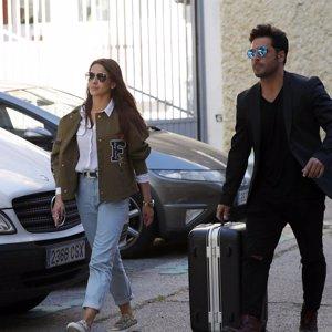 Bustamante y Yana Olina ya son inseparables