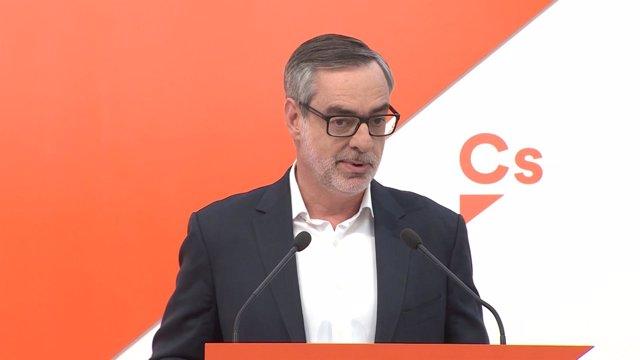 José Manuel Villegas durante una rueda de prensa