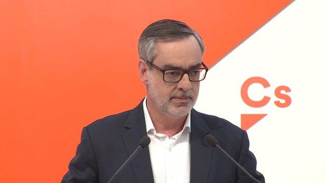 José Manuel Villegas durant una roda de premsa