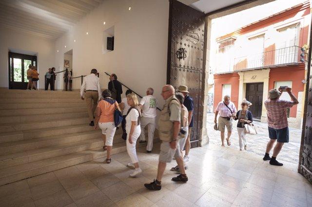 Museo picasso málaga turistas viajeros mayores cultura turismo viaje arte pintur