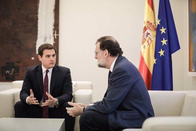 Rajoy recibe al líder de Ciudadanos, Albert Rivera, en La Moncloa