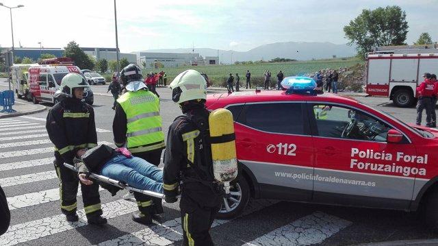 Simulacro de accidente en el aeropuerto de Pamplona.