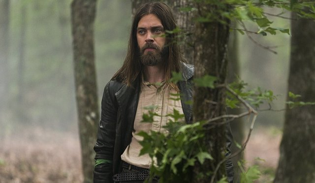Tom Payne en The Walking Dead