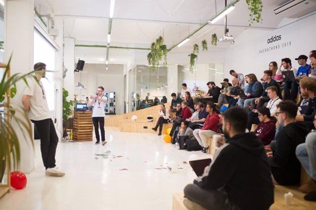 Adidas e Ironhack se unen para buscar talento tecnológico