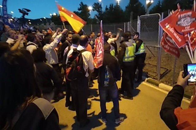 Altercados en la concentración en el acceso de la cárcel de Morón de la Frontera