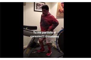 ¡Así baila Maradona! El futbolista sorprende a las redes moviéndose al ritmo de Nicky Jam y J balvin