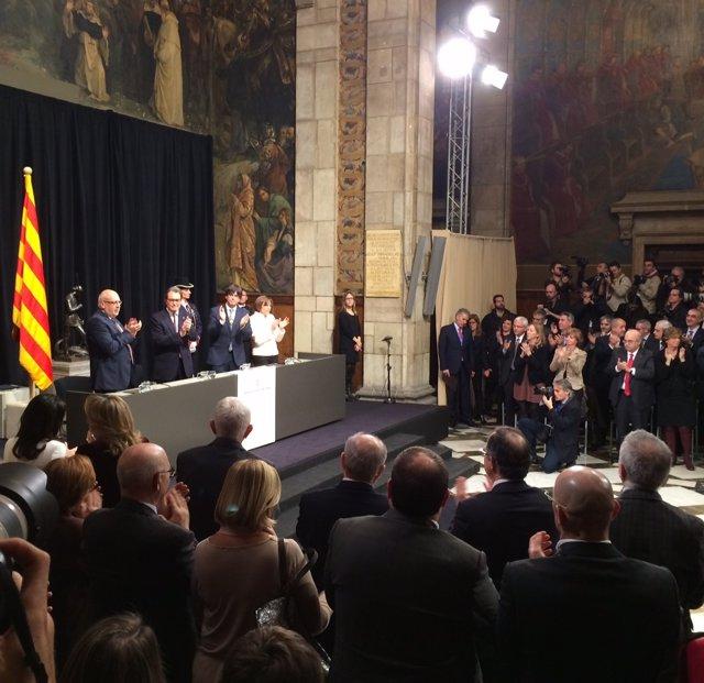 Artur Mas y Carles Puigdemont en el acto de posesión de este último
